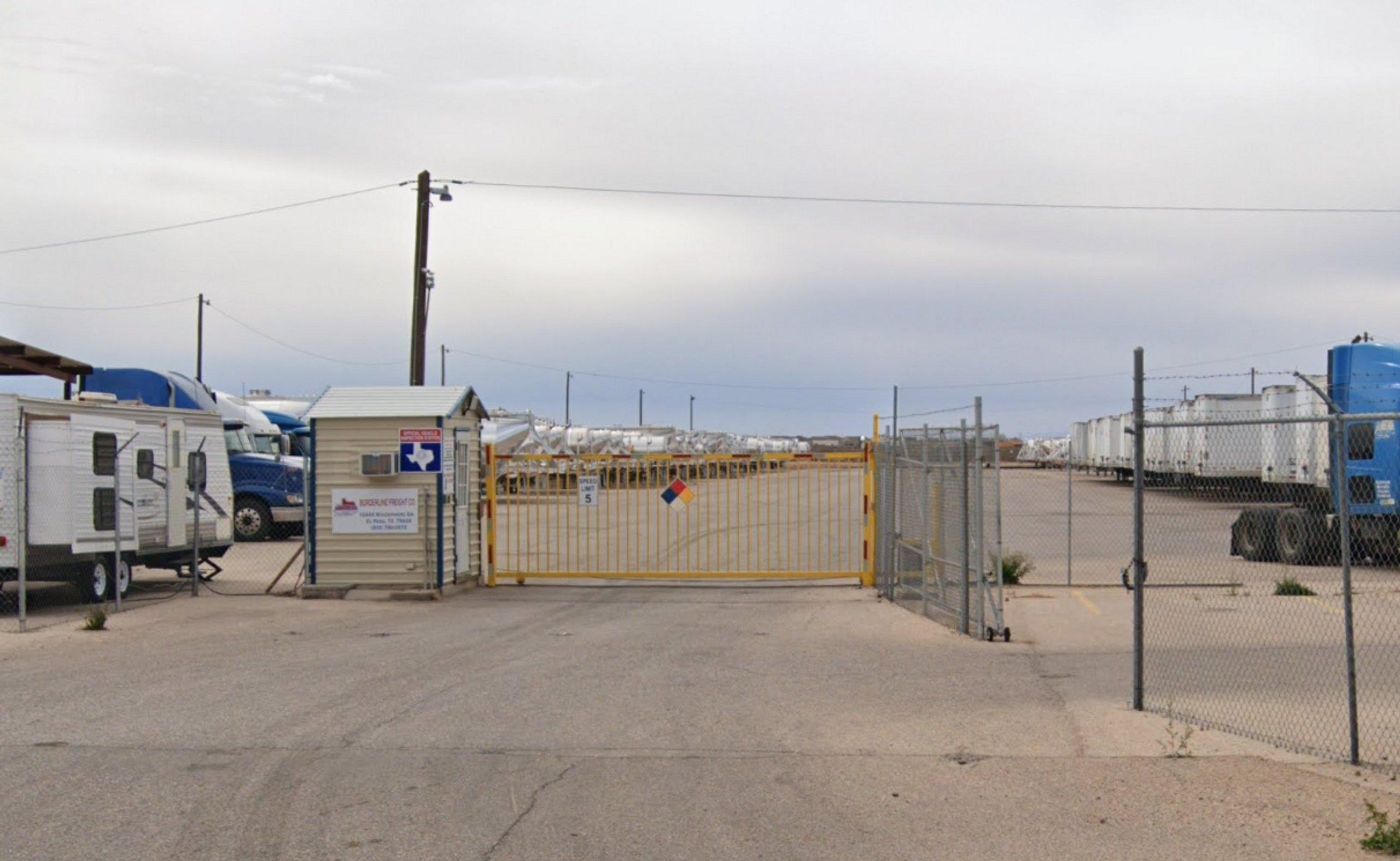 50x15 Parking Lot self storage unit