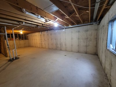 23x20 Basement self storage unit