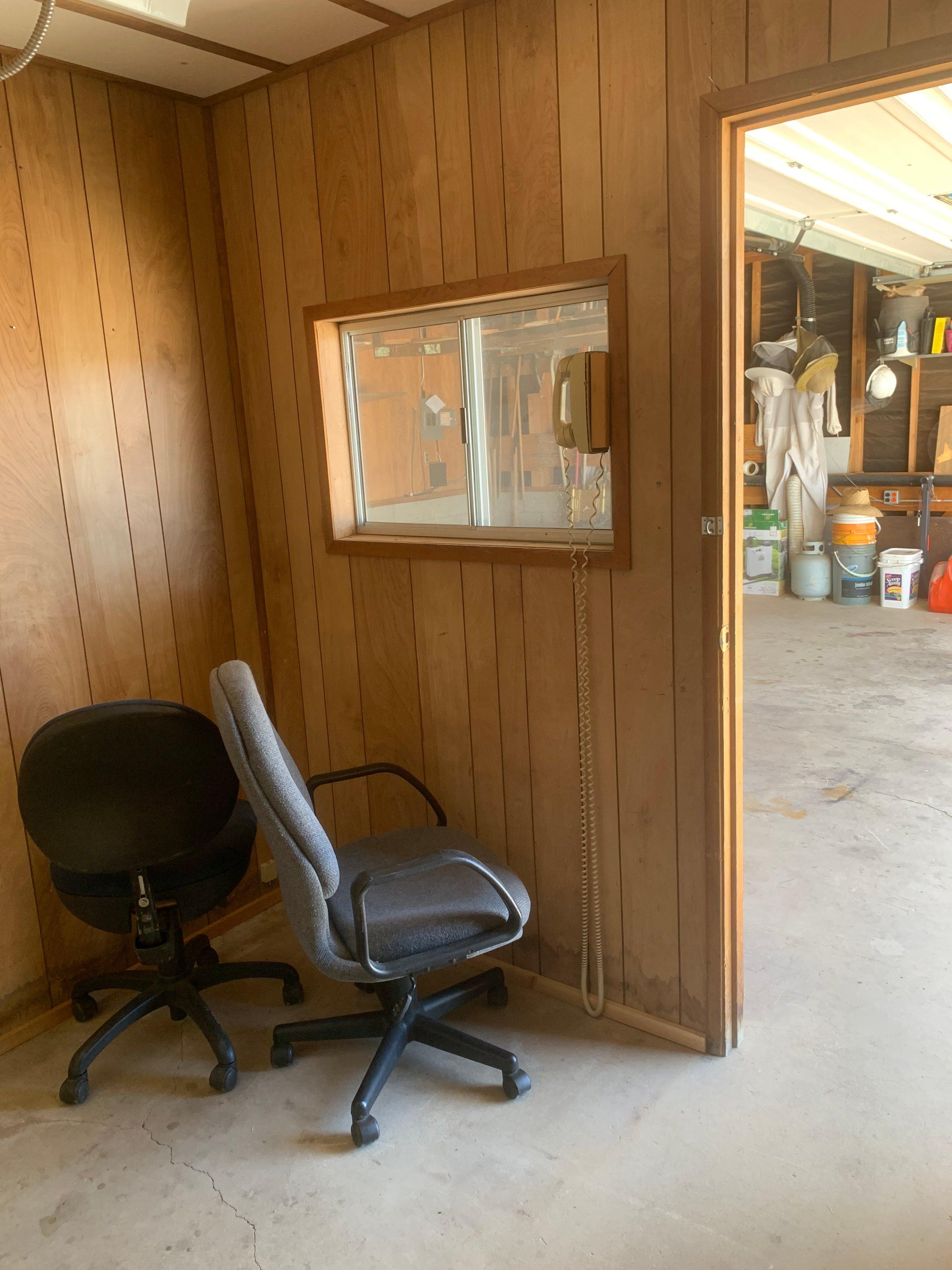 28x28 Garage self storage unit