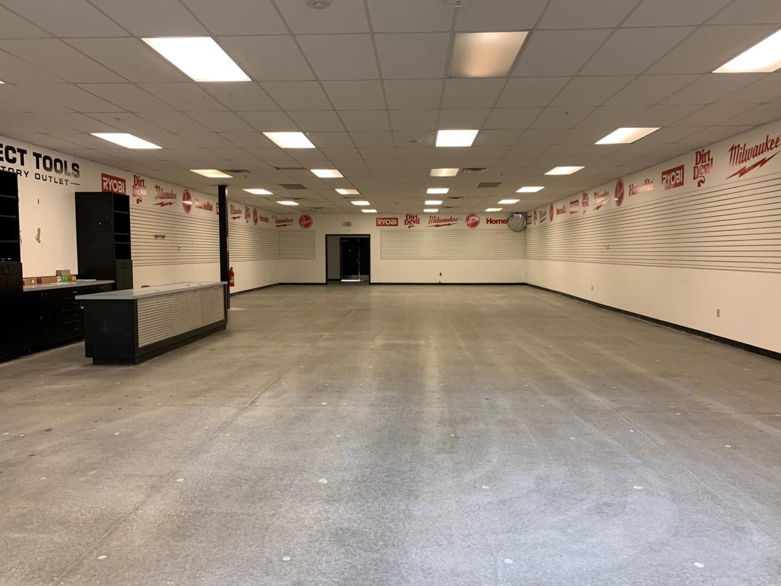 100x35 Warehouse self storage unit
