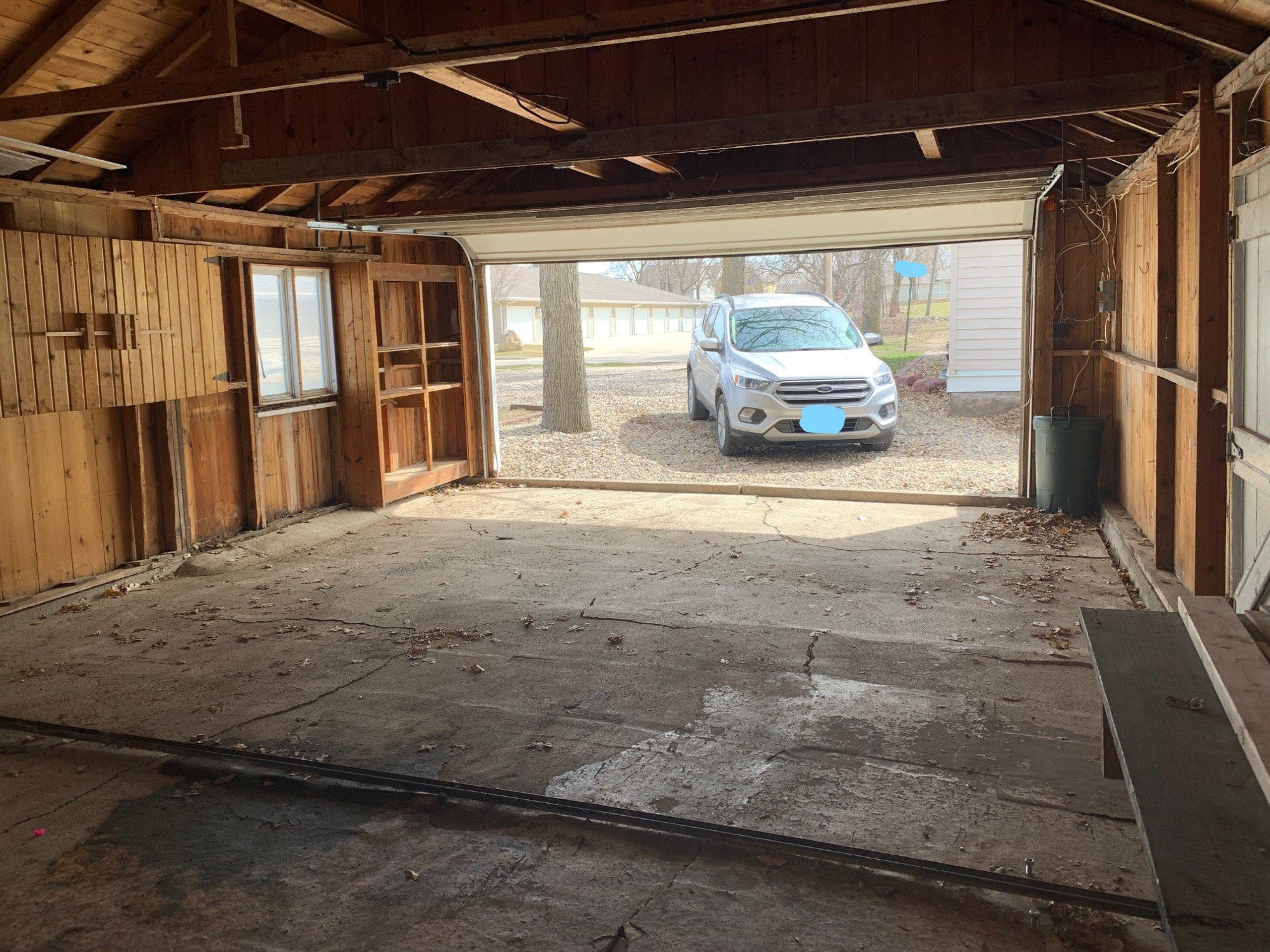 32x20 Garage self storage unit