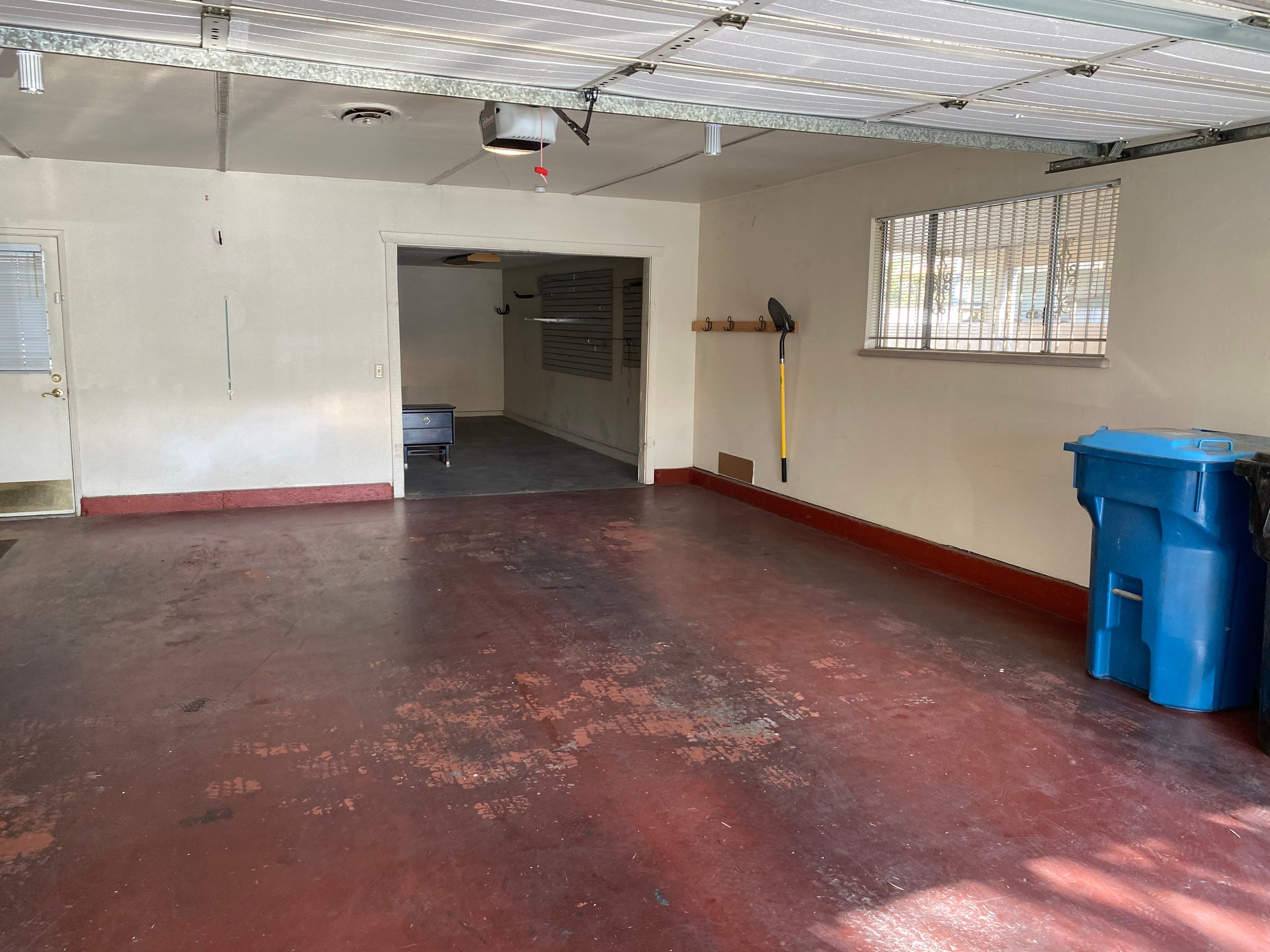 10x22 Garage self storage unit