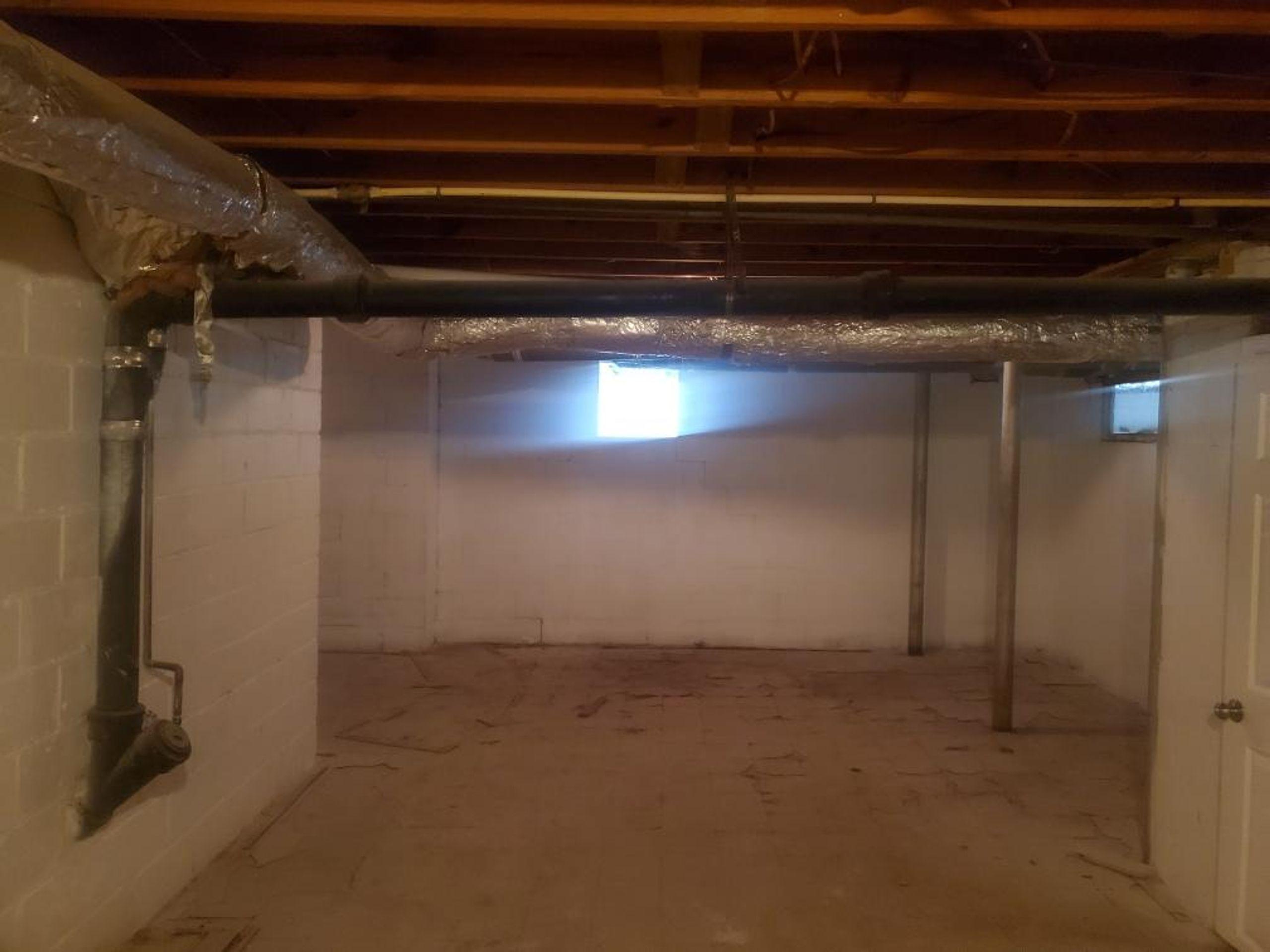 13x15 Basement self storage unit