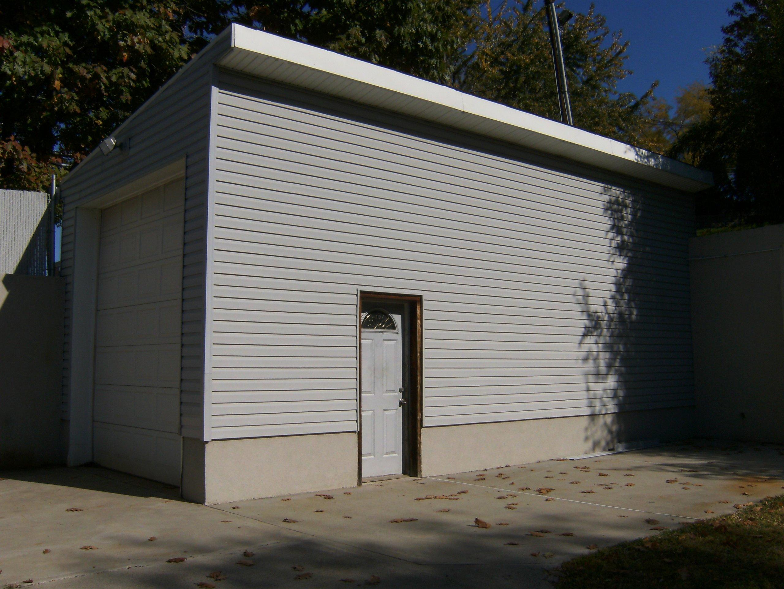 28x11 Garage self storage unit